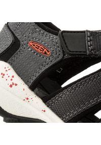 Szare sandały keen