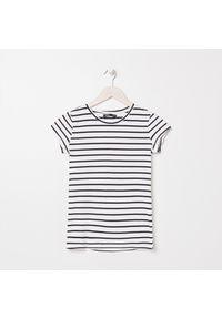 Sinsay - Koszulka w paski - Biały. Kolor: biały. Wzór: paski