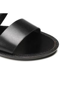 Nessi - Sandały NESSI - 21056 Czarny 3. Okazja: na co dzień. Kolor: czarny. Materiał: skóra. Sezon: lato. Obcas: na obcasie. Styl: casual. Wysokość obcasa: średni