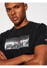 Czarny t-shirt Tommy Jeans z nadrukiem #6