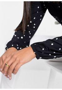 Shirt z długim rękawem z nadrukiem i koronką bonprix czarno-biały w kropki. Kolor: czarny. Materiał: koronka. Długość rękawa: długi rękaw. Długość: długie. Wzór: kropki, koronka, nadruk