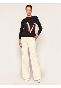 Niebieski sweter klasyczny Victoria Victoria Beckham