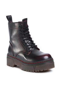 Czerwone buty trekkingowe Wrangler z cholewką