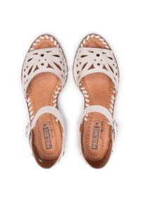 Beżowe sandały Pikolinos