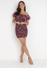 Born2be - Czarna Sukienka Claneira. Typ kołnierza: dekolt kwadratowy. Kolor: czarny. Materiał: materiał. Wzór: aplikacja. Typ sukienki: bodycon. Długość: mini