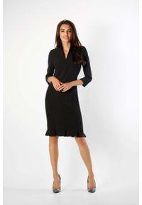 Nommo - Czarna Ołówkowa Sukienka z Ciekawym Dołem. Kolor: czarny. Materiał: wiskoza, poliester. Typ sukienki: ołówkowe