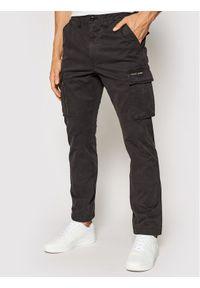 Superdry Spodnie materiałowe Recruit Grip 2.0 M7010186A Szary Regular Fit. Kolor: szary. Materiał: materiał