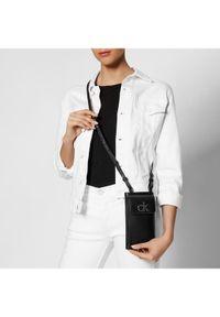Calvin Klein Torebka Phone Xbody Pouch K60K608085 Czarny. Kolor: czarny