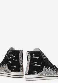 Born2be - Czarne Trampki Hyroris. Wysokość cholewki: przed kolano. Nosek buta: okrągły. Kolor: czarny. Materiał: materiał, guma. Szerokość cholewki: normalna. Wzór: aplikacja, nadruk