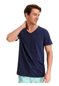 TOP SECRET - T-shirt gładki z dekoltem w serek. Okazja: na co dzień. Typ kołnierza: dekolt w serek. Kolor: niebieski. Materiał: bawełna. Długość rękawa: krótki rękaw. Długość: krótkie. Wzór: gładki. Styl: wakacyjny, klasyczny, casual