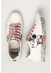 Białe sneakersy Desigual na obcasie, z cholewką, na sznurówki, z okrągłym noskiem