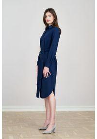 Marie Zélie - Sukienka Eliza granat z wiskozą. Materiał: wiskoza. Długość rękawa: długi rękaw. Typ sukienki: szmizjerki. Styl: klasyczny