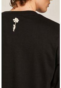 Czarna koszulka z długim rękawem medicine z aplikacjami, street
