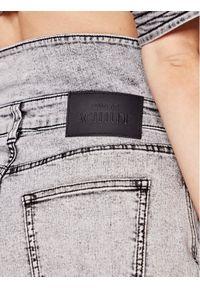 TwinSet Szorty jeansowe 211MT2567 Szary Regular Fit. Kolor: szary. Materiał: jeans
