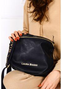 Laura Biaggi - Czarna torebka listonoszka laura biaggi kb12. Kolor: czarny