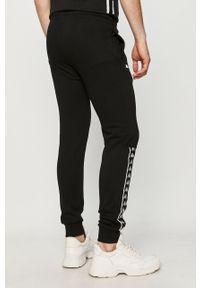 Czarne spodnie dresowe Kappa z aplikacjami