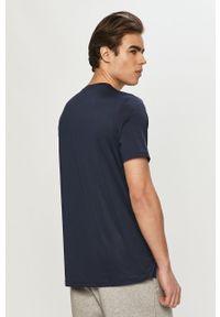 Niebieski t-shirt Reebok z nadrukiem, casualowy, na co dzień