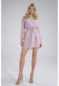 e-margeritka - Sukienka szyfonowa kopertowa wizytowa z falbanami fioletowa - l. Typ kołnierza: dekolt kopertowy. Kolor: fioletowy. Materiał: szyfon. Typ sukienki: kopertowe. Styl: wizytowy