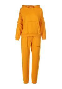 Żółty dres Born2be