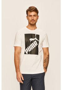 Biały t-shirt Puma z okrągłym kołnierzem, z nadrukiem, na co dzień
