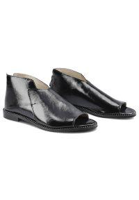 Dwunasty Shoes - Sandały DWUNASTY SHOES 3021 Czarny Naplak. Kolor: czarny