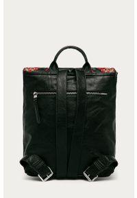 Czarny plecak Desigual z aplikacjami