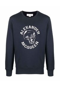 Alexander McQueen - ALEXANDER MCQUEEN - Granatowa bluza z czaszką. Kolor: niebieski. Materiał: bawełna. Długość rękawa: długi rękaw. Długość: długie. Wzór: nadruk