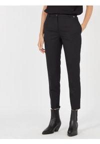 TwinSet - Spodnie cygaretki Twinset (Outlet). Okazja: do pracy, na spotkanie biznesowe. Kolor: czarny. Materiał: elastan, poliester, wełna. Styl: klasyczny, elegancki, biznesowy