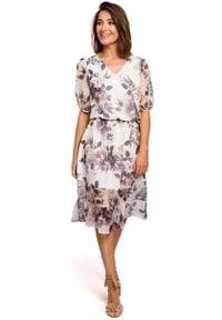 MOE - Zwiewna Szyfonowa Sukienka w Kwiaty z Falbanką - Model 1. Materiał: szyfon. Wzór: kwiaty