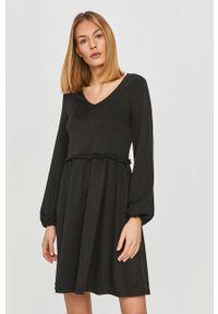 Czarna sukienka Vila na co dzień, z długim rękawem, rozkloszowana, mini