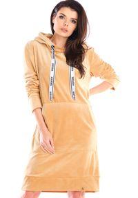 Awama - Welurowa Prosta Sukienka z Logowaną Taśmą - Beżowa. Kolor: beżowy. Materiał: welur. Typ sukienki: proste
