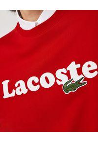 Lacoste - LACOSTE - Bawełniana bluza z logo. Okazja: na co dzień. Kolor: czerwony. Materiał: bawełna. Długość rękawa: długi rękaw. Długość: długie. Wzór: haft. Styl: sportowy, klasyczny, casual