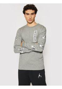 Nike Longsleeve CN3504 Szary Standard Fit. Kolor: szary. Długość rękawa: długi rękaw