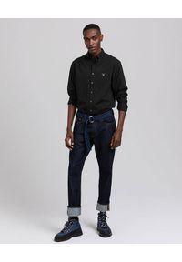 GANT - Czarna koszula z logo. Okazja: na co dzień. Kolor: czarny. Materiał: bawełna, jeans. Długość rękawa: długi rękaw. Długość: długie. Styl: klasyczny, elegancki, casual