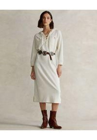 Ralph Lauren - RALPH LAUREN - Biała sukienka z kapturem midi Straight fit. Typ kołnierza: kaptur. Kolor: biały. Materiał: materiał. Długość rękawa: długi rękaw. Wzór: aplikacja. Długość: midi