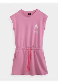 Różowa sukienka 4f