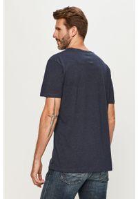 Niebieski t-shirt Quiksilver casualowy, z okrągłym kołnierzem
