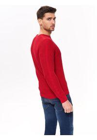 Czerwony sweter TOP SECRET casualowy, z okrągłym kołnierzem, na wiosnę