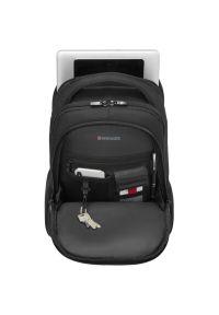 Czarny plecak na laptopa Wenger w paski