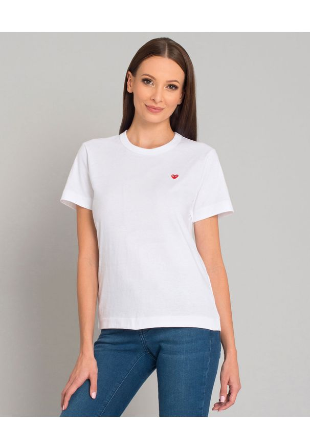 COMME DES GARCONS PLAY - Biały t-shirt z małym sercem. Okazja: na co dzień. Kolor: biały. Materiał: jeans. Styl: klasyczny, casual