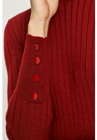 Sportmax Code - Sukienka. Kolor: czerwony. Materiał: materiał. Długość rękawa: długi rękaw. Typ sukienki: plisowane, rozkloszowane