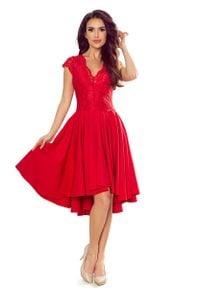 Numoco - Czerwona Wieczorowa Asymetryczna Sukienka z Koronką. Kolor: czerwony. Materiał: koronka. Wzór: koronka. Typ sukienki: asymetryczne. Styl: wizytowy