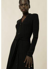 IVY & OAK - Sukienka Kala. Okazja: na co dzień. Kolor: czarny. Materiał: materiał, wełna. Długość rękawa: długi rękaw. Typ sukienki: proste. Styl: casual