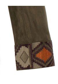 MALIPARMI - Marynarka z aplikacją. Kolor: brązowy. Materiał: materiał. Długość rękawa: długi rękaw. Długość: długie. Wzór: aplikacja. Styl: elegancki