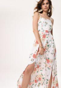 Born2be - Biała Sukienka Stay Afloat. Typ kołnierza: dekolt kwadratowy. Kolor: biały. Materiał: tkanina. Długość rękawa: na ramiączkach. Wzór: kwiaty. Typ sukienki: rozkloszowane. Długość: maxi