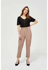 MOODO - Spodnie z marszczoną talią. Stan: podwyższony. Materiał: wiskoza, guma, poliester. Długość: długie. Wzór: gładki