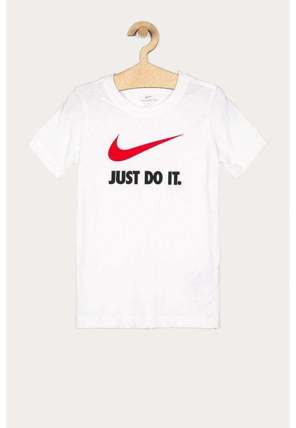 Biały t-shirt Nike Kids casualowy, na co dzień