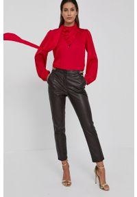 Nissa - NISSA - Bluzka. Okazja: na co dzień. Kolor: czerwony. Materiał: tkanina. Długość rękawa: długi rękaw. Długość: długie. Wzór: gładki. Styl: casual