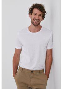 TIGER OF SWEDEN - Tiger Of Sweden - T-shirt. Okazja: na co dzień. Kolor: biały. Materiał: dzianina. Wzór: gładki. Styl: casual