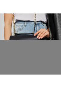 Czarna torebka klasyczna Marciano Guess z aplikacjami, na ramię, skórzana